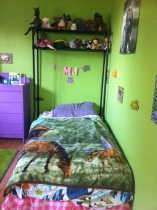 mj bed 1